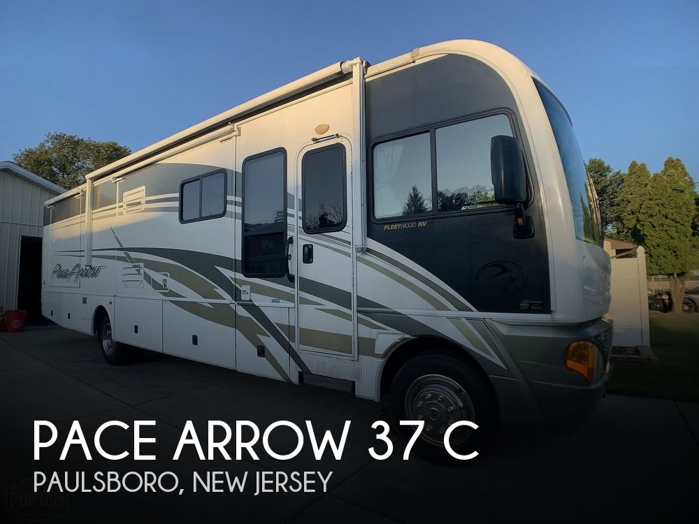 2004 Fleetwood Pace Arrow 37 C