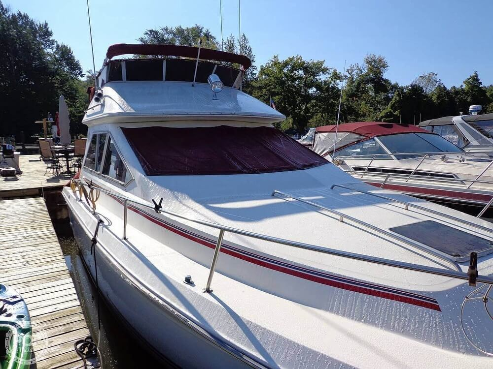 1989 Sea Ray boat for sale, model of the boat is 340 SDB & Image # 2 of 40