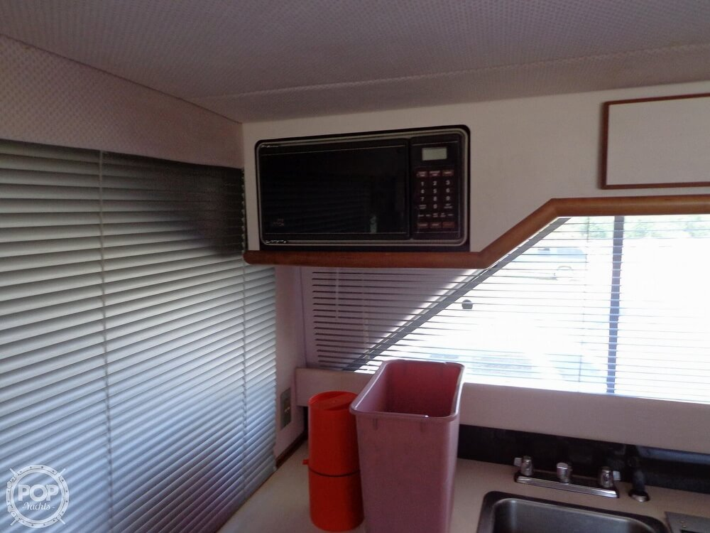 1989 Sea Ray boat for sale, model of the boat is 340 SDB & Image # 30 of 40