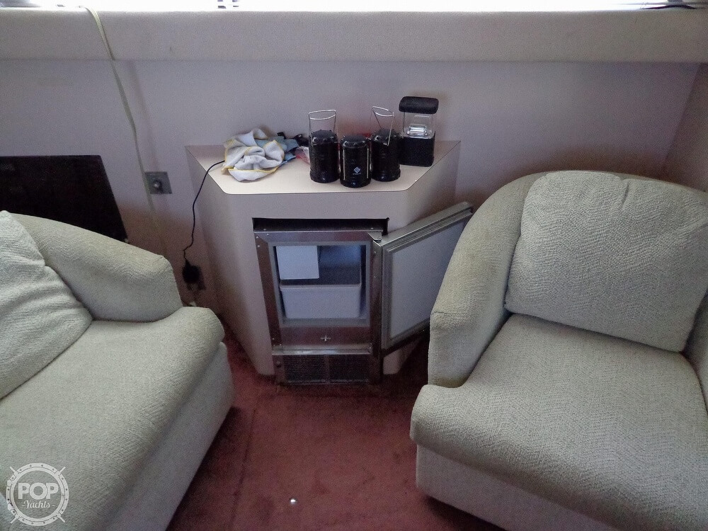 1989 Sea Ray boat for sale, model of the boat is 340 SDB & Image # 33 of 40