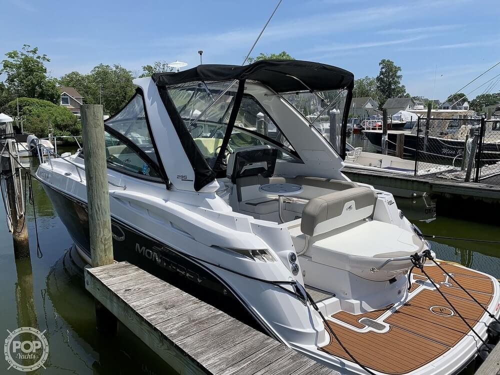 2018 Monterey boat for sale, model of the boat is 295 Sport Yacht SY & Image # 3 of 40