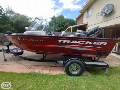 Tracker Pro Guide V-175 Combo, 17', for sale - $27,800