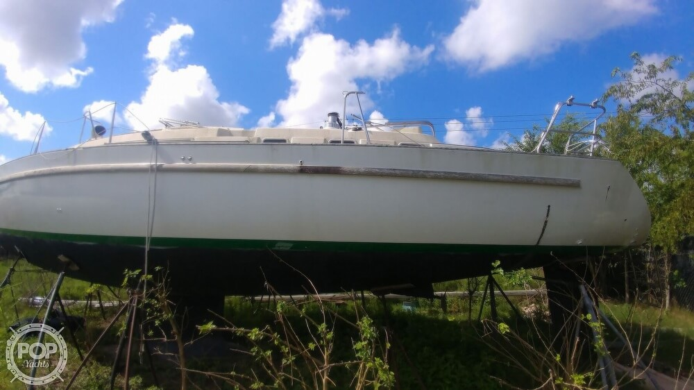 1995 Beneteau boat for sale, model of the boat is 44 CC & Image # 3 of 40