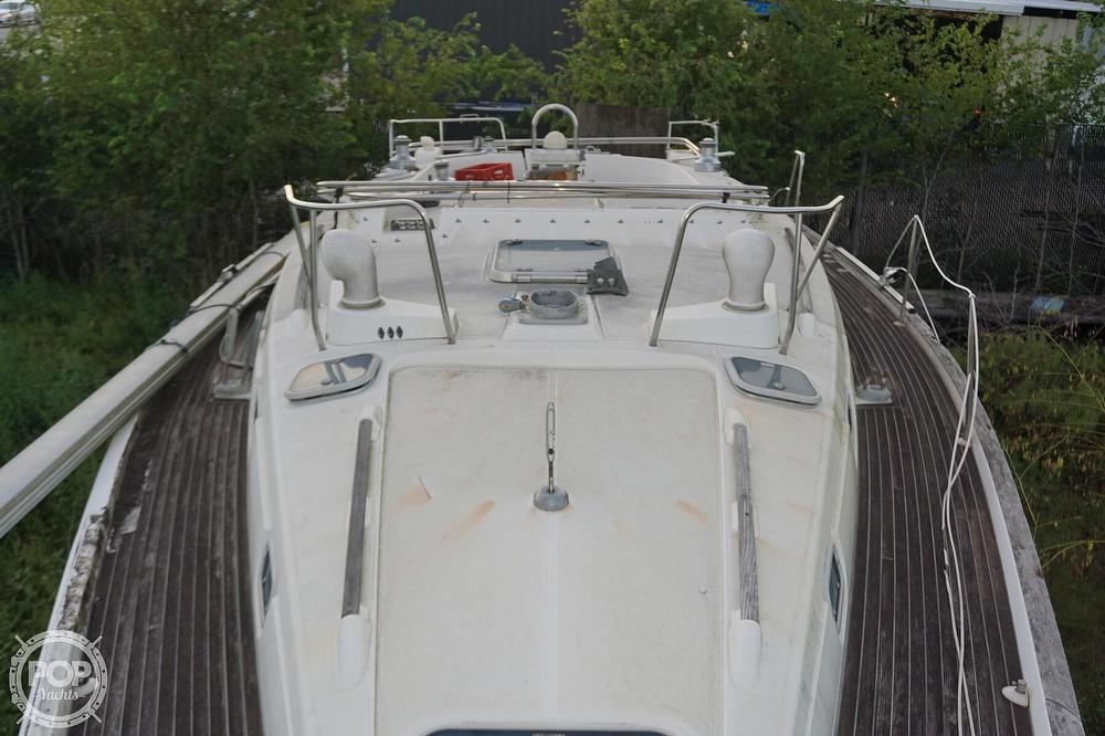 1995 Beneteau boat for sale, model of the boat is 44 CC & Image # 30 of 40