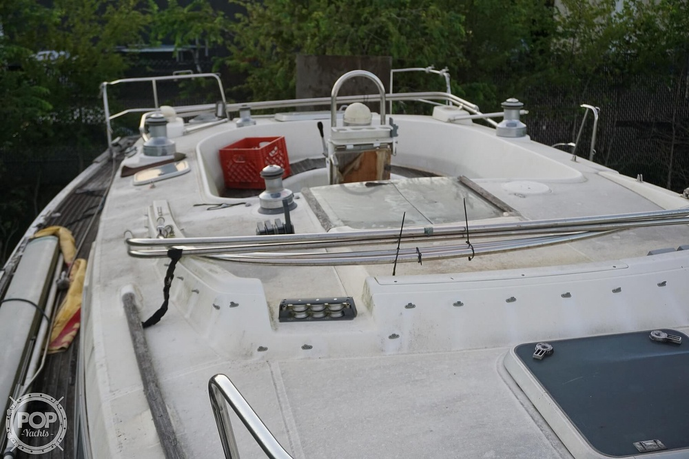 1995 Beneteau boat for sale, model of the boat is 44 CC & Image # 31 of 40