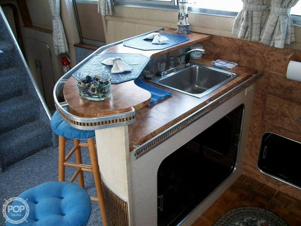 1984 Chris Craft boat for sale, model of the boat is 381 Catalina & Image # 15 of 40