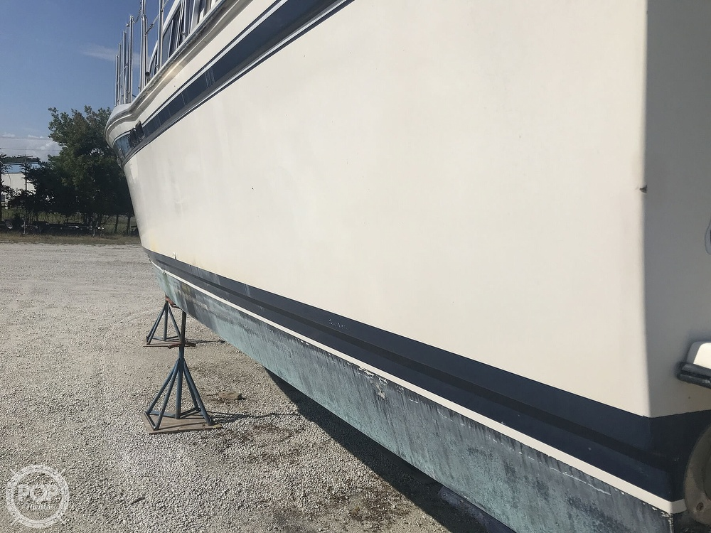 1984 Chris Craft boat for sale, model of the boat is 381 Catalina & Image # 6 of 40