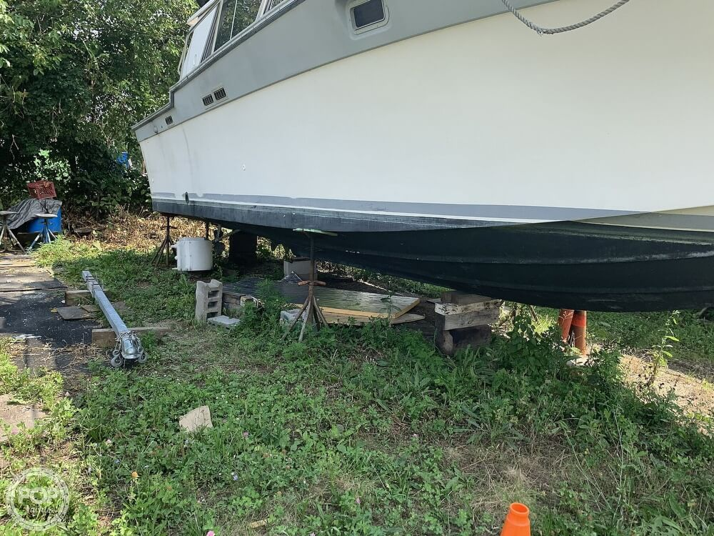 1988 Silverton boat for sale, model of the boat is 34 Convertible & Image # 3 of 40