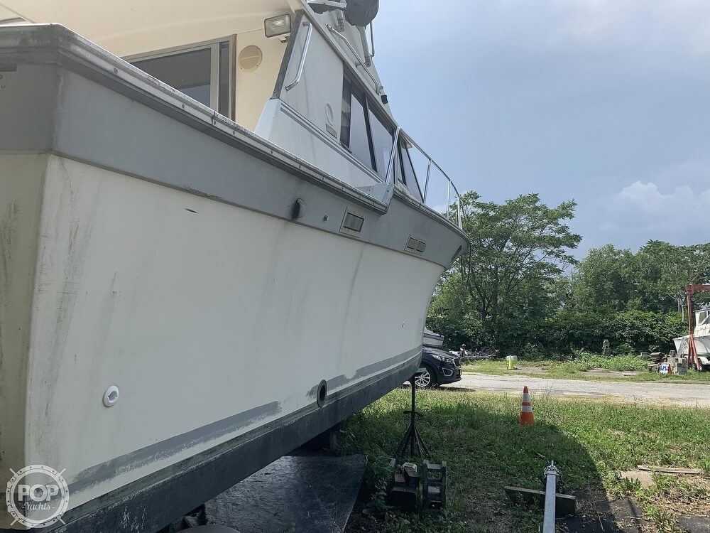 1988 Silverton boat for sale, model of the boat is 34 Convertible & Image # 7 of 40