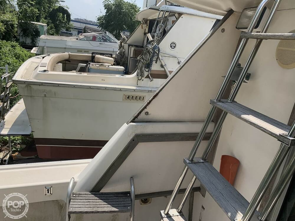 1988 Silverton boat for sale, model of the boat is 34 Convertible & Image # 14 of 40