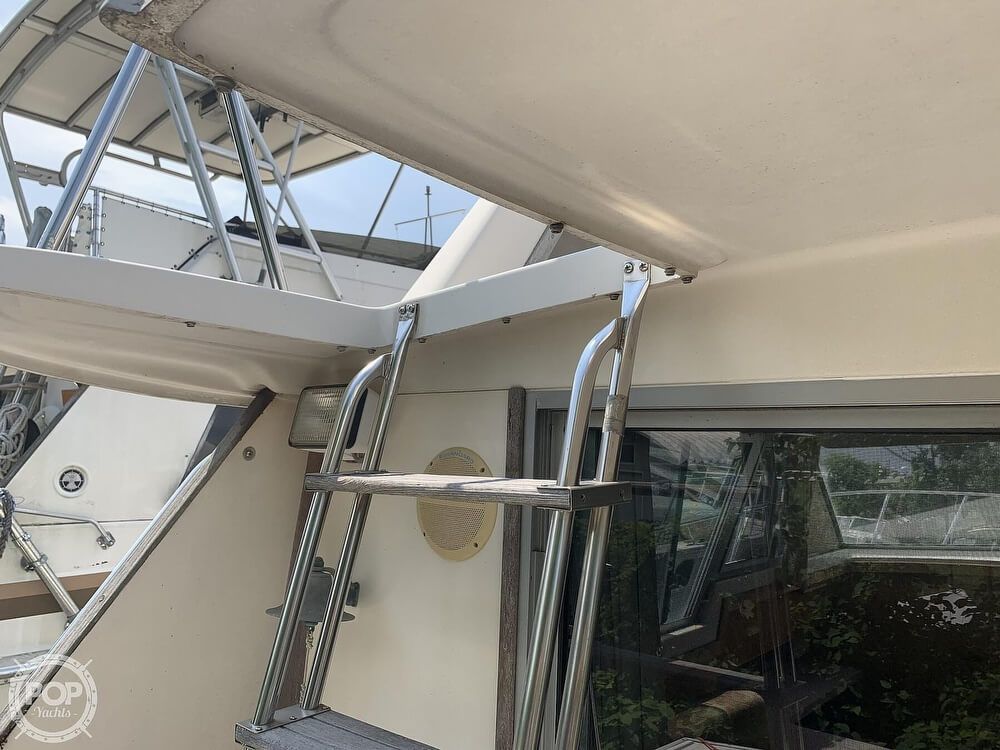 1988 Silverton boat for sale, model of the boat is 34 Convertible & Image # 15 of 40