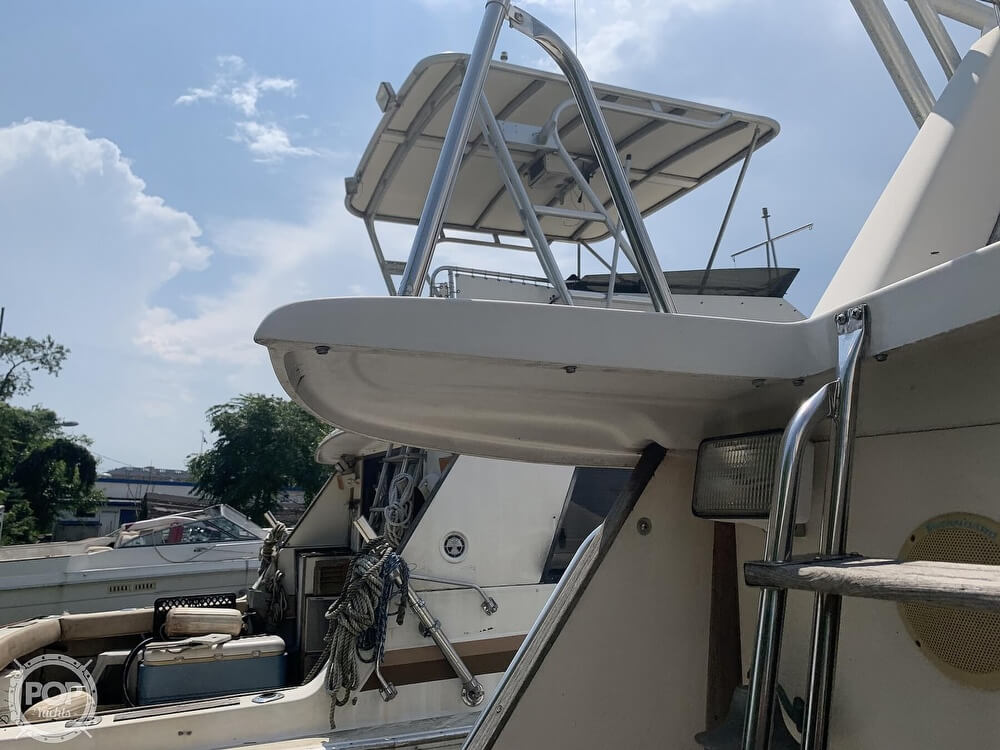1988 Silverton boat for sale, model of the boat is 34 Convertible & Image # 22 of 40