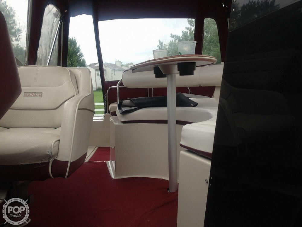1990 Maxum boat for sale, model of the boat is 2555 ML & Image # 4 of 41