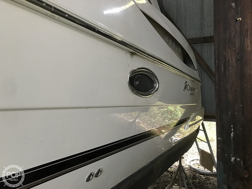 2004 Cruisers Yachts boat for sale, model of the boat is 340 Express & Image # 9 of 40
