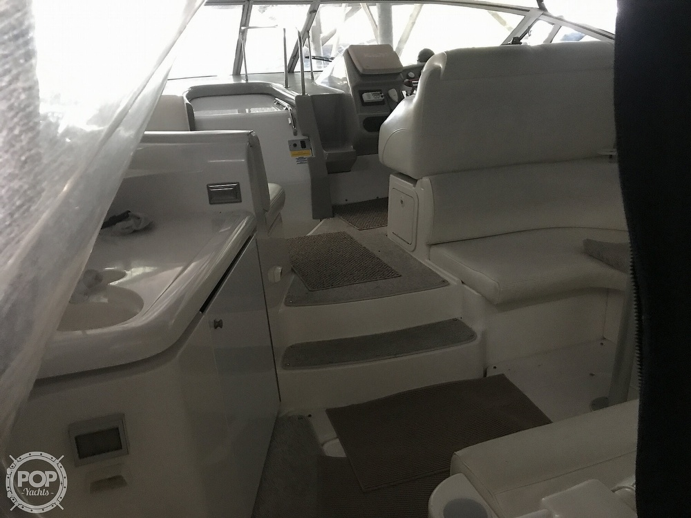 2004 Cruisers Yachts boat for sale, model of the boat is 340 Express & Image # 31 of 40
