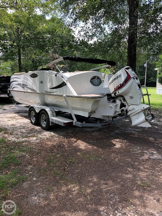 2016 Caravelle boat for sale, model of the boat is Razor 237UU & Image # 8 of 38