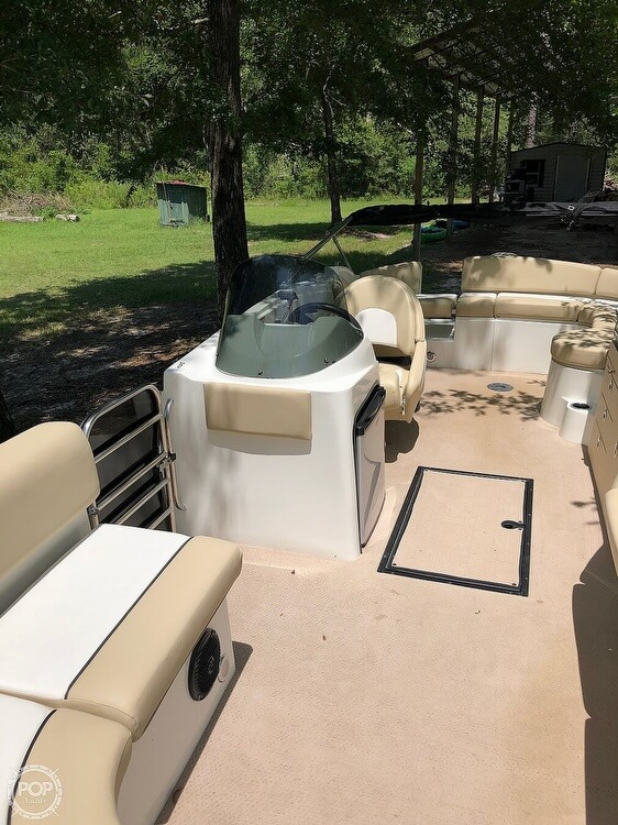2016 Caravelle boat for sale, model of the boat is Razor 237UU & Image # 23 of 38