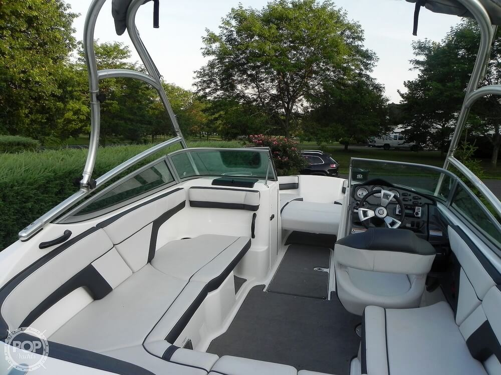 2015 Yamaha boat for sale, model of the boat is AR 210 & Image # 8 of 40