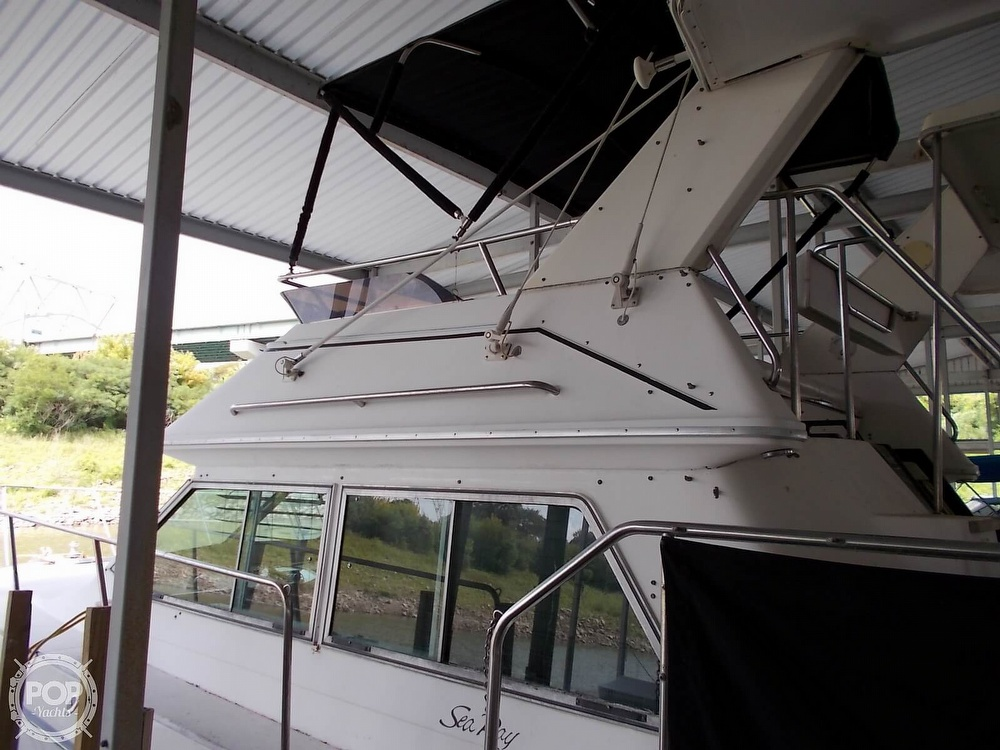 1986 Sea Ray boat for sale, model of the boat is 360 Aft Cabin & Image # 17 of 40