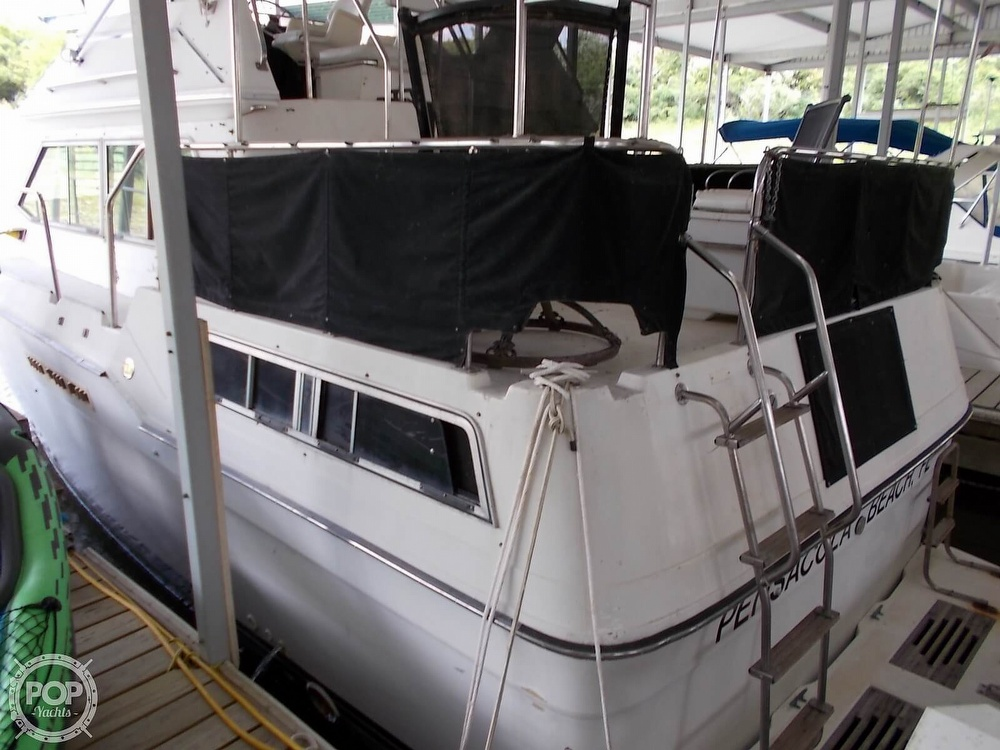 1986 Sea Ray boat for sale, model of the boat is 360 Aft Cabin & Image # 16 of 40