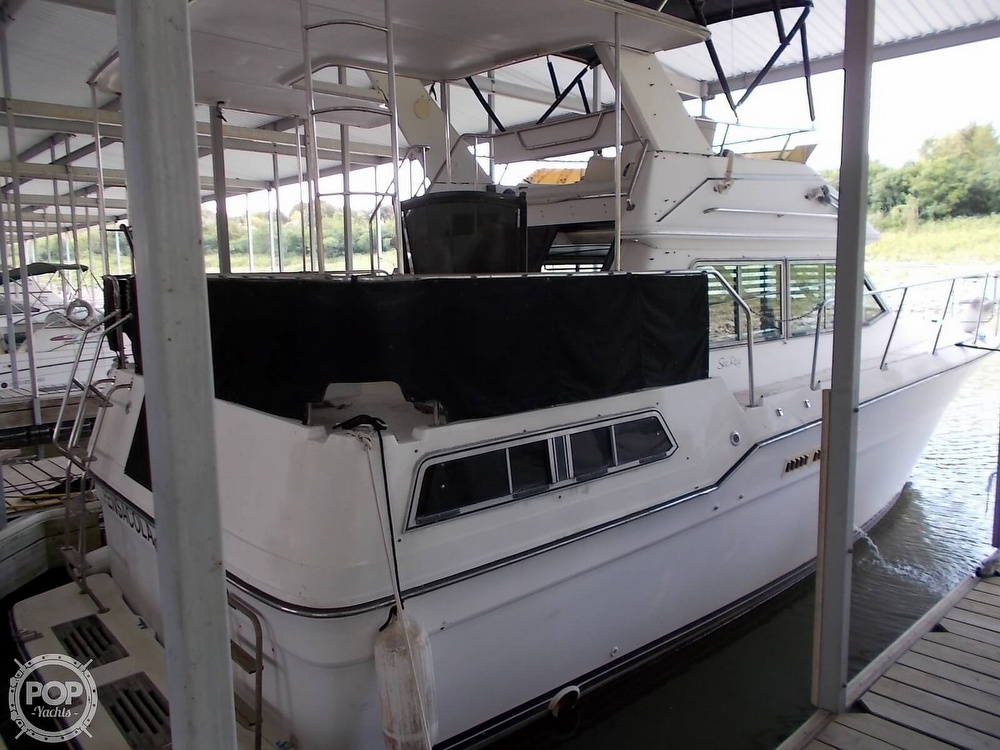 1986 Sea Ray boat for sale, model of the boat is 360 Aft Cabin & Image # 14 of 40