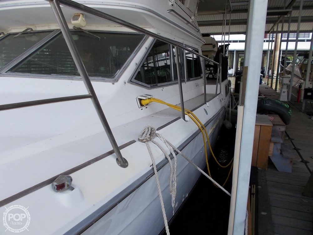 1986 Sea Ray boat for sale, model of the boat is 360 Aft Cabin & Image # 28 of 40