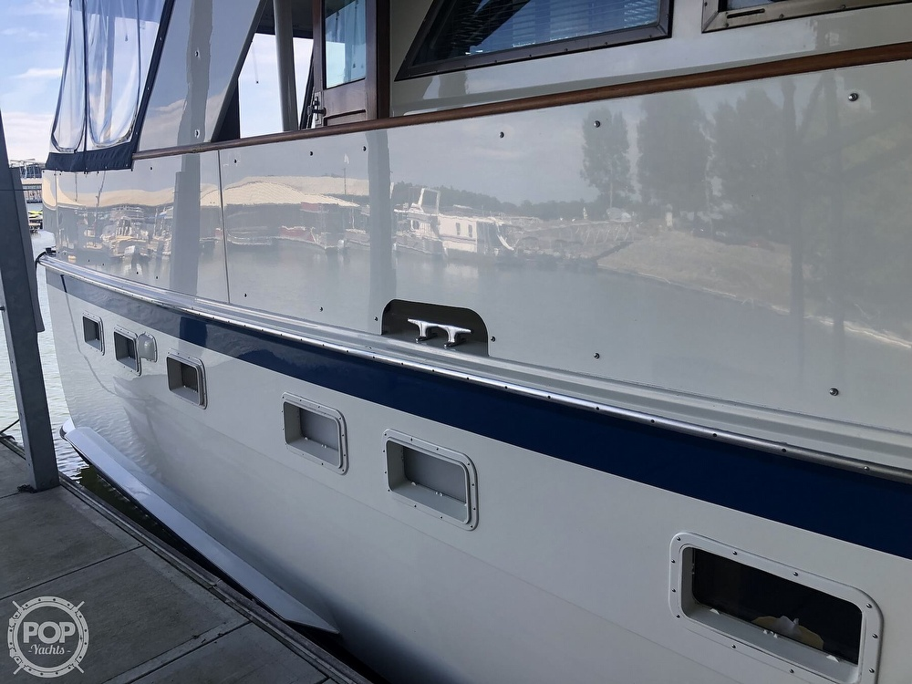 1977 Hatteras boat for sale, model of the boat is 53 & Image # 28 of 40