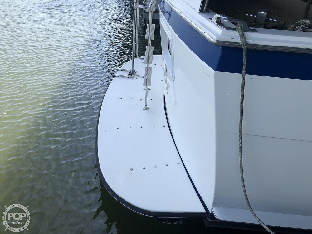 1977 Hatteras boat for sale, model of the boat is 53 & Image # 31 of 40