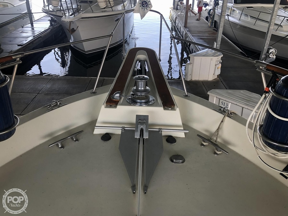 1977 Hatteras boat for sale, model of the boat is 53 & Image # 38 of 40