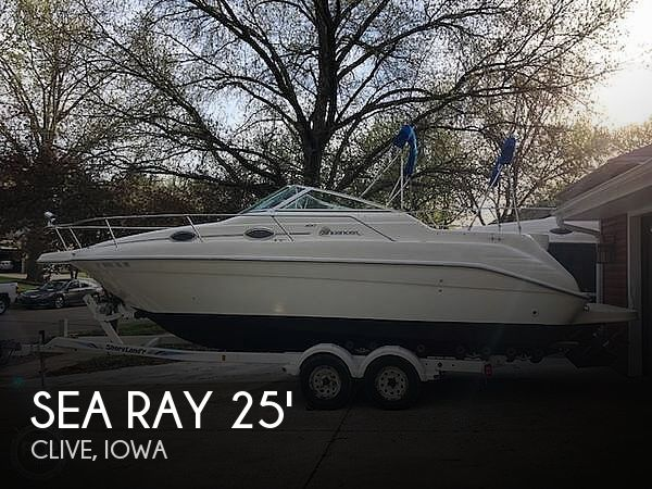 Used Boats For Sale in Des Moines, Iowa by owner | 1995 Sea Ray 25