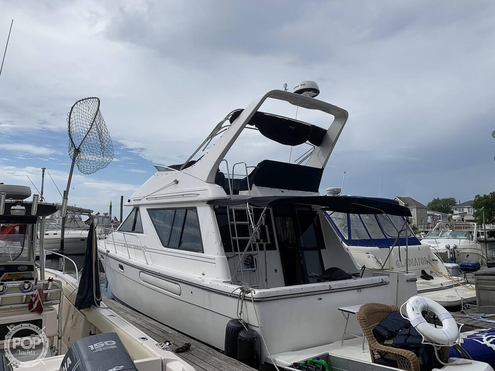 2001 Bayliner boat for sale, model of the boat is 3988 & Image # 5 of 40