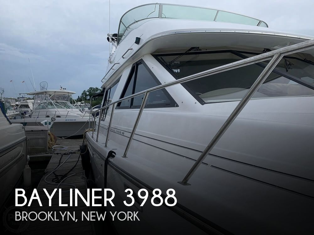 2001 Bayliner boat for sale, model of the boat is 3988 & Image # 1 of 40