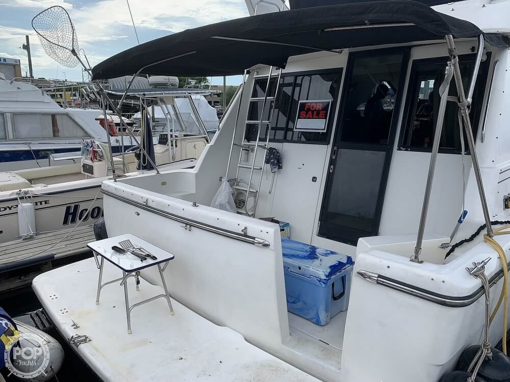 2001 Bayliner boat for sale, model of the boat is 3988 & Image # 23 of 40