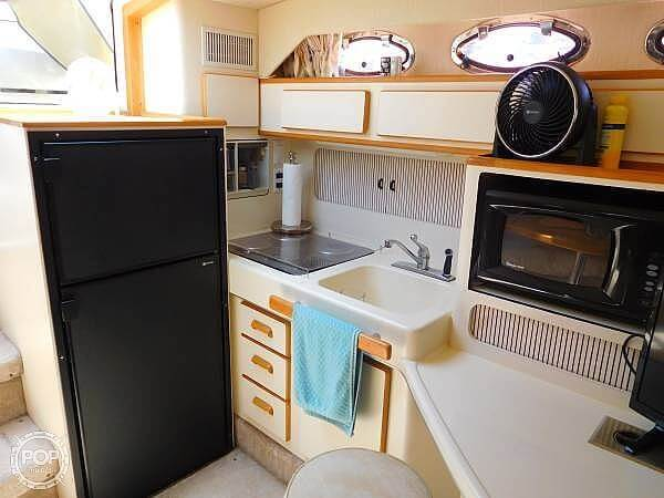 1994 Sea Ray boat for sale, model of the boat is 400 Express Cruiser & Image # 9 of 40