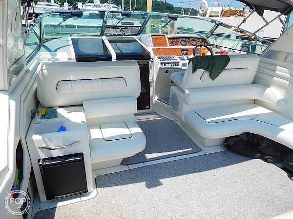 1994 Sea Ray boat for sale, model of the boat is 400 Express Cruiser & Image # 7 of 40