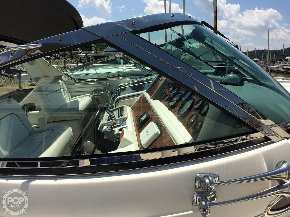 1994 Sea Ray boat for sale, model of the boat is 400 Express Cruiser & Image # 31 of 40