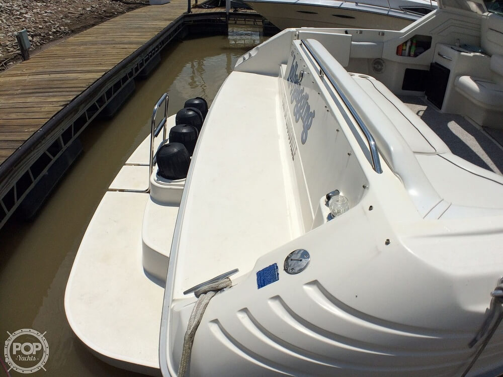 1994 Sea Ray boat for sale, model of the boat is 400 Express Cruiser & Image # 28 of 40