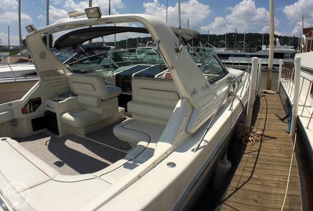 1994 Sea Ray boat for sale, model of the boat is 400 Express Cruiser & Image # 32 of 40