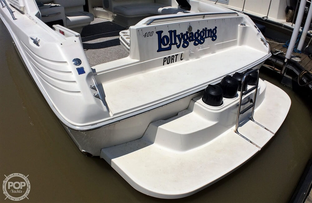 1994 Sea Ray boat for sale, model of the boat is 400 Express Cruiser & Image # 2 of 40