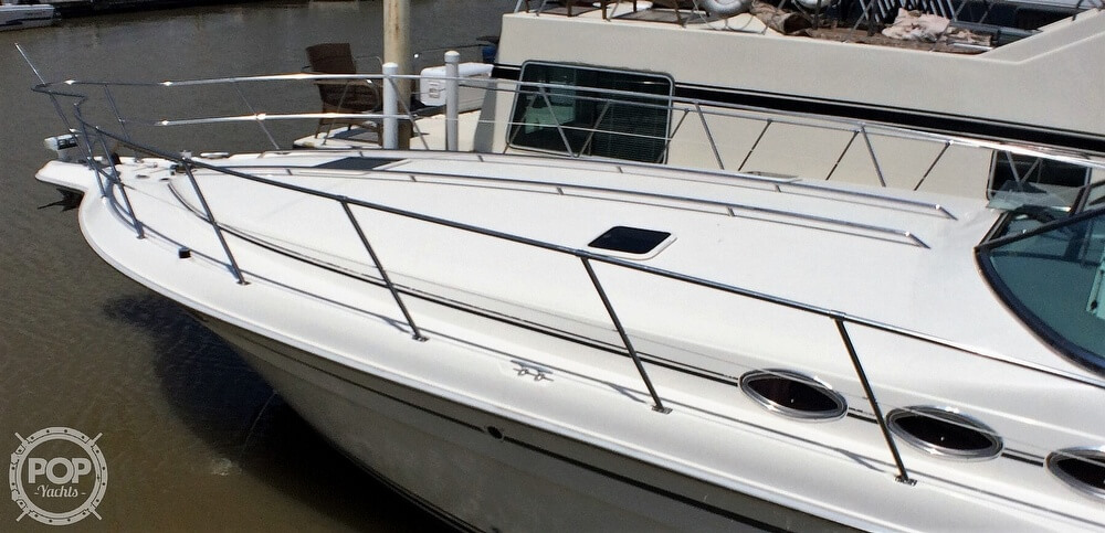 1994 Sea Ray boat for sale, model of the boat is 400 Express Cruiser & Image # 20 of 40