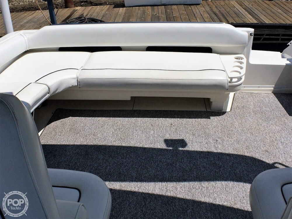 1994 Sea Ray boat for sale, model of the boat is 400 Express Cruiser & Image # 5 of 40