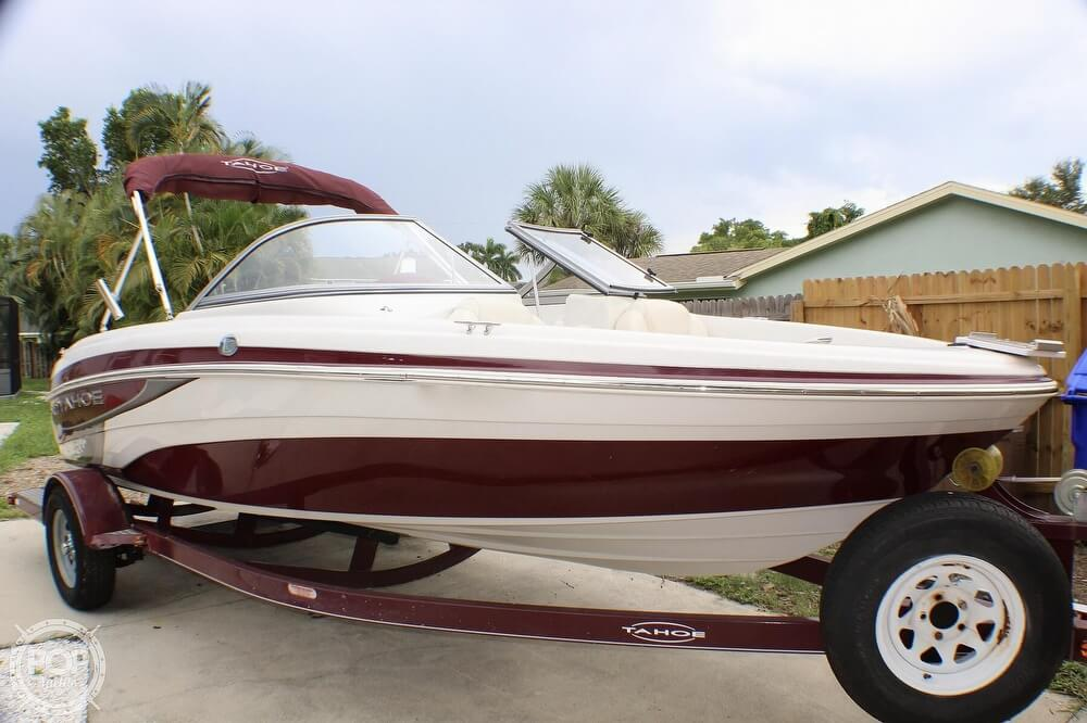 2011 Tahoe boat for sale, model of the boat is Q5i SF & Image # 20 of 40