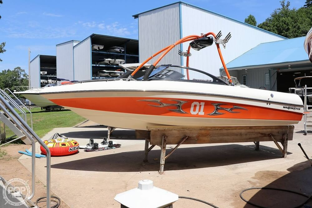 2004 Malibu Wakesetter 21 VLX - Only 300 Hours!