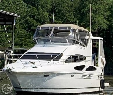Cruisers 385 Motoryacht, 42', for sale - $183,400