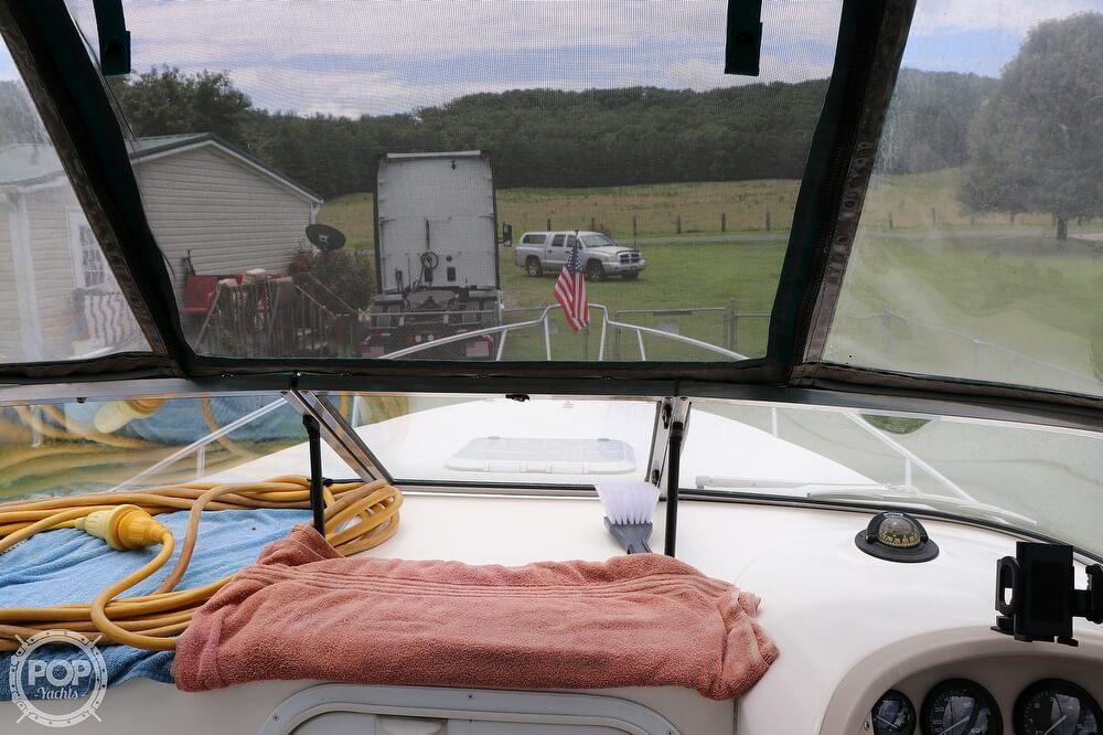 1997 Wellcraft boat for sale, model of the boat is 26SE & Image # 33 of 40