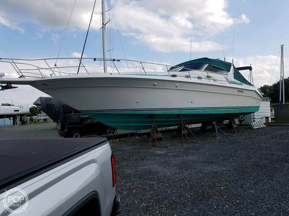 1994 Sea Ray boat for sale, model of the boat is 440 Sundancer 2010 Iveco 370s & Image # 21 of 40