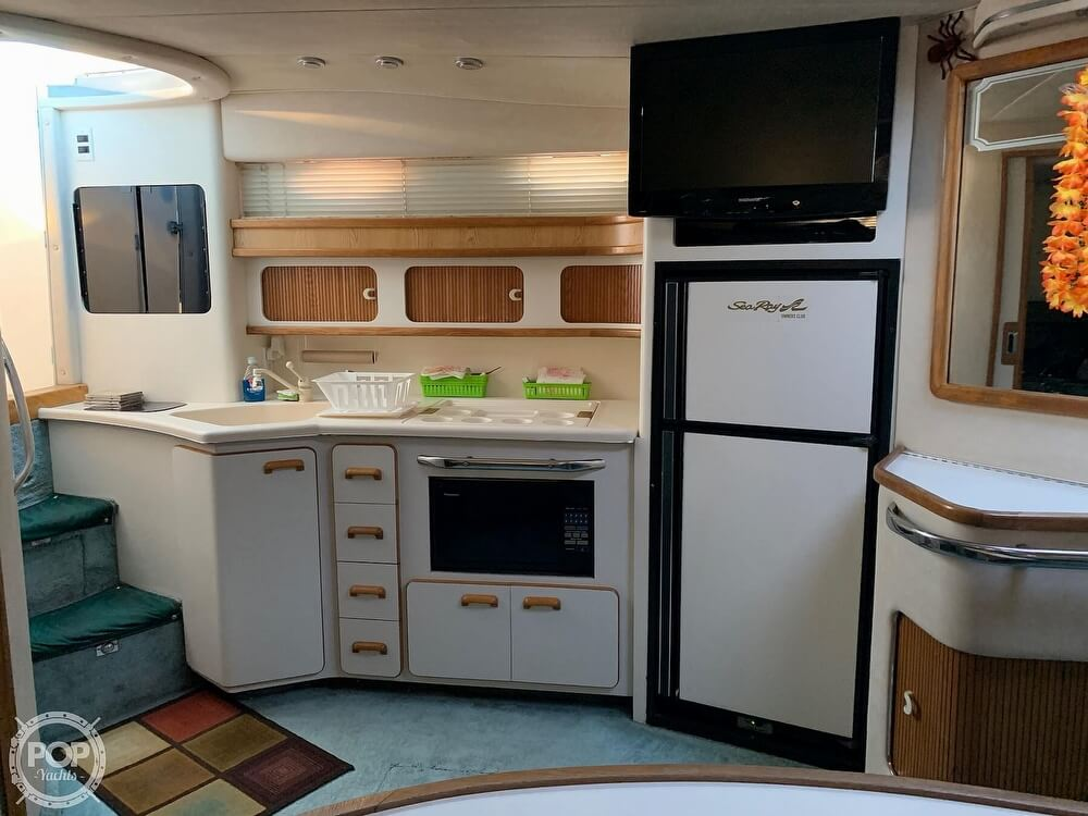 1994 Sea Ray boat for sale, model of the boat is 440 Sundancer 2010 Iveco 370s & Image # 8 of 40