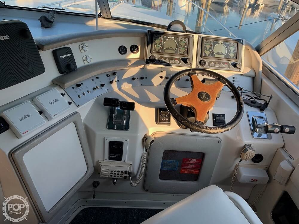 1994 Sea Ray boat for sale, model of the boat is 440 Sundancer 2010 Iveco 370s & Image # 3 of 40