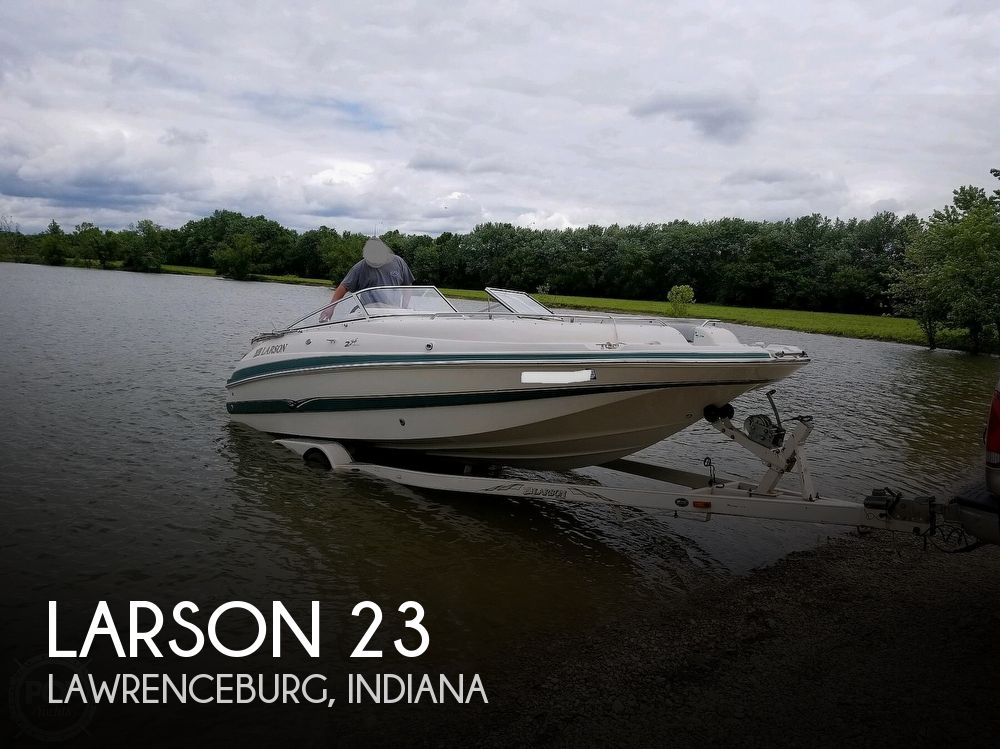 Used Larson Deck Boats For Sale by owner | 2002 Larson 23