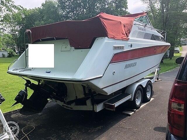 1990 Rinker boat for sale, model of the boat is Fiesta V 250 & Image # 10 of 13